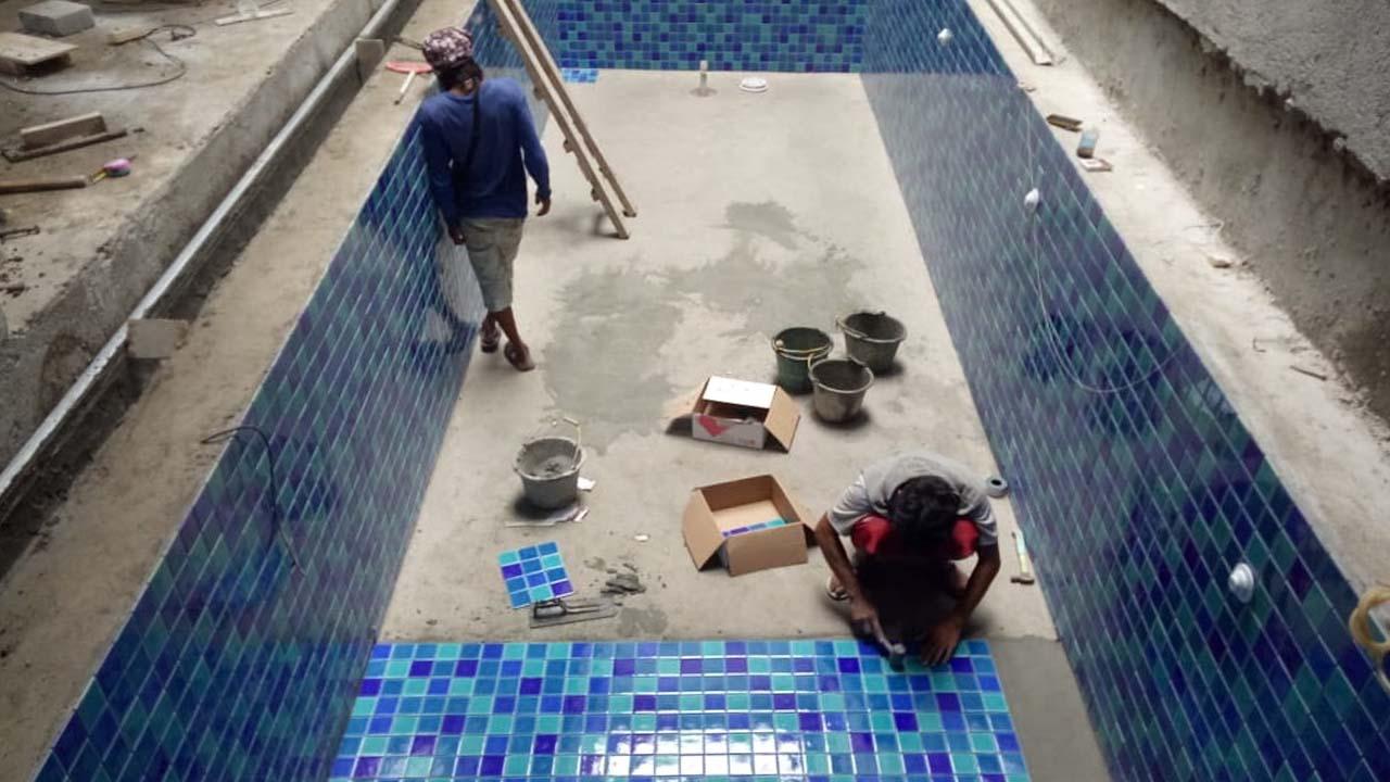 Pembuatan Kolam Renang Keramik Mosaik 3
